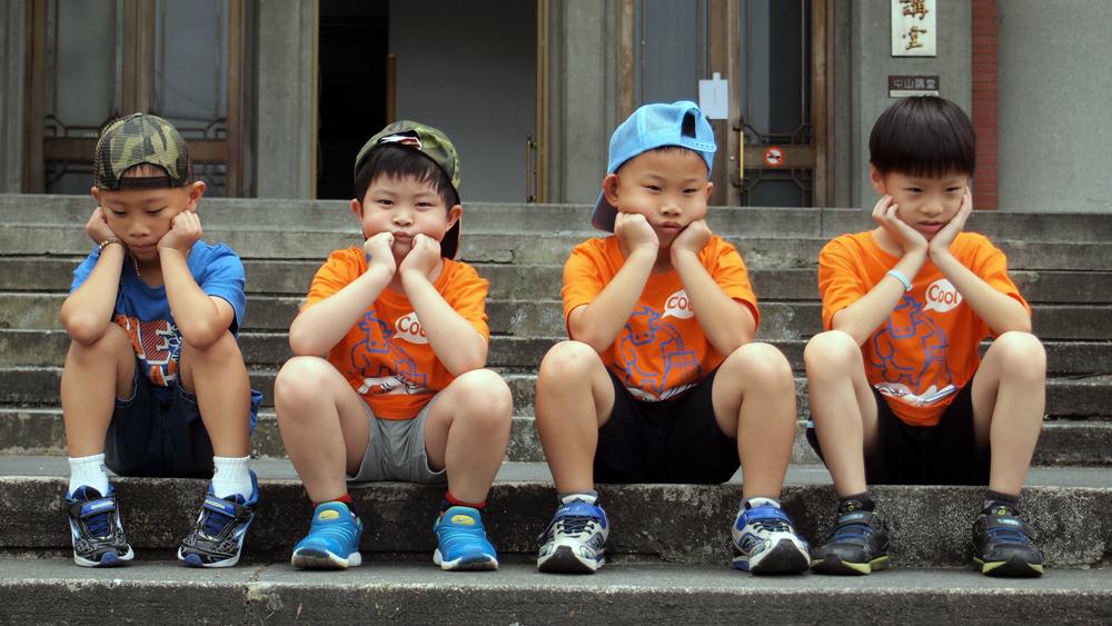 發呆就是不專心嗎?孩子們可是正「專心」想著等一下要玩甚麼呢!