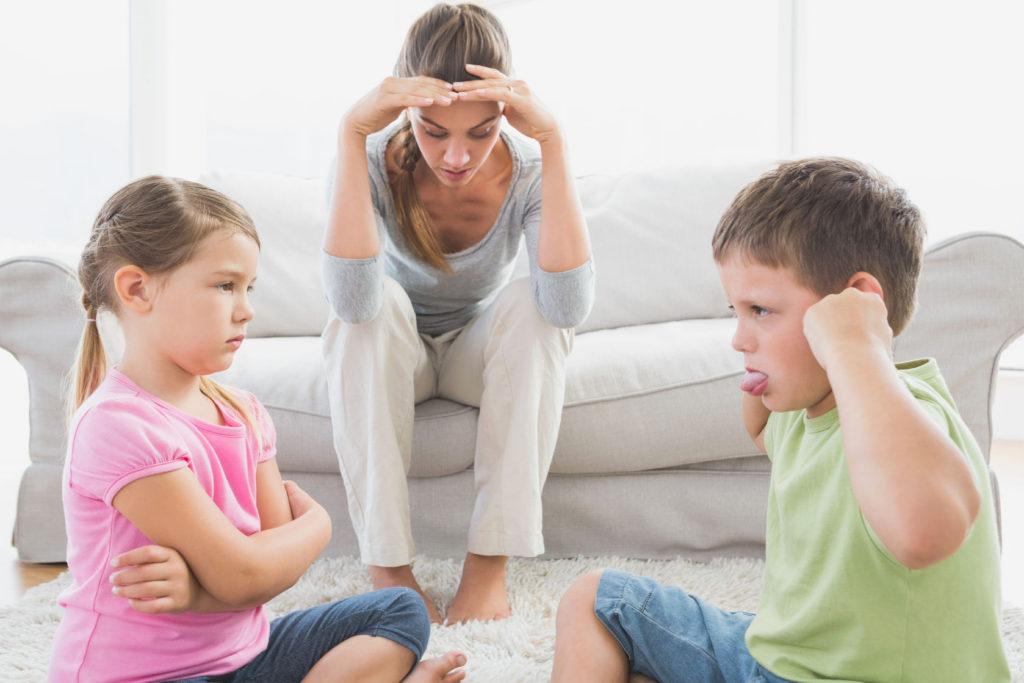 孩子「窩裡橫」,90%的家長沒有意識到這些原因