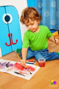 boy-w-sitting-painting-blog